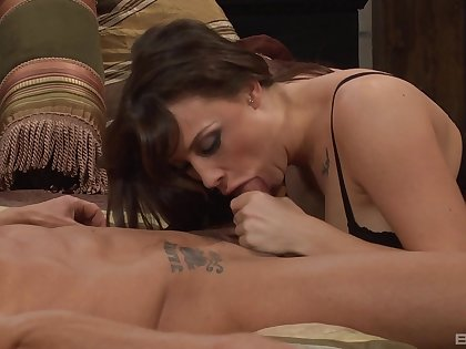 Brunette in stockings gets double penetrated - Chanel Preston
