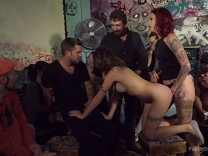 Amateurs in popular orgy getting dicks in each hole