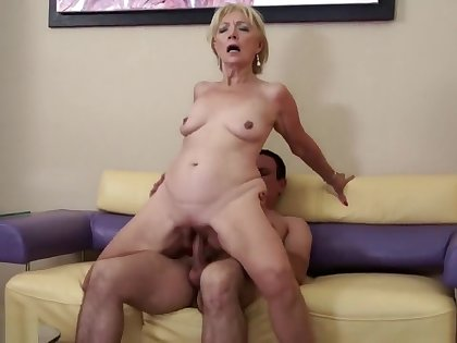 Son persuaded mother to fuck with him