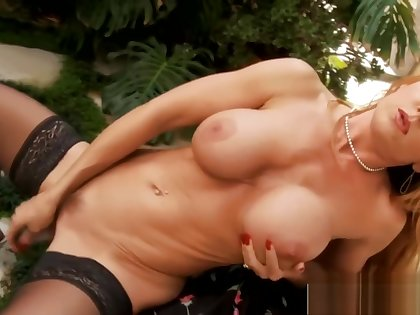 Big Ass Mother Janet Mason Gets nailed Cool Her Son's Friend