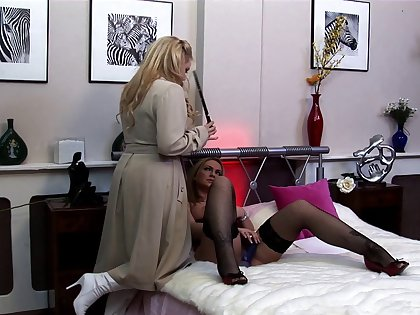 Blonde Alicia Rhodes loves to ambiance pleasure by two cocks at the same grow older