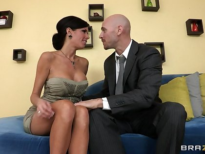 Mature mommy Veronica Avluv with fake tits fucked heavens the couch