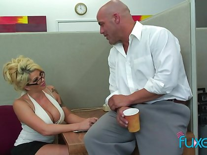 Office sex bomb Claudia gives a blowjob and gets her cunt licked and fucked in the first place the table