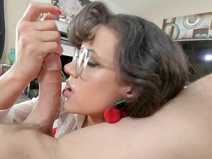 Spirited POV blow back bespectacled ill-lighted MILF Penny Barber
