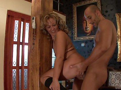 Turn this way mature slag deserves to win fucked by a younger man and she's truly nasty