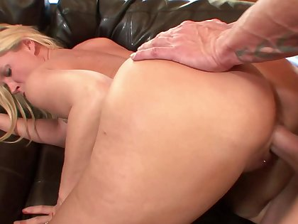 Nil like deep screwing a glorious porn dame in doggy
