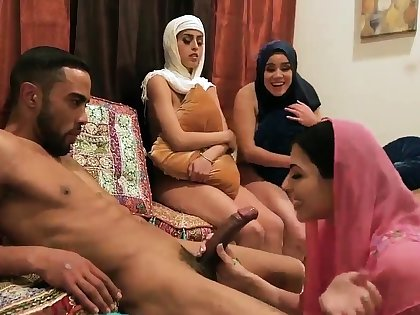 associates horny ma first time Brave arab girls with