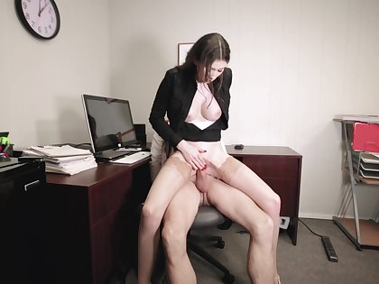 Office employee Angelina Diamanti gets euphoria on with her hung boss