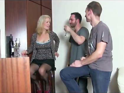Keep in view this milf ... retty face while getting fucked