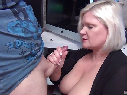 Slutty blonde adult Lacey Starr drops on their way knees to give head