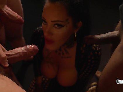 Ashley Cumstar take Dick Or Treat Toerist Milf Creampie Gangbang take Amsterdam Halloweeneres