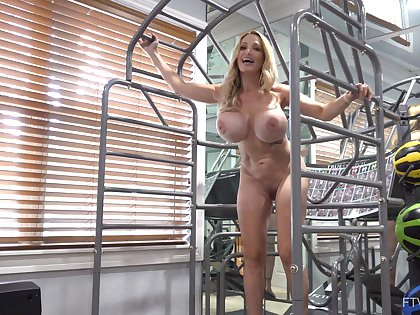 Busty mature with fit forms and splendid muscles, insane solo toy porn