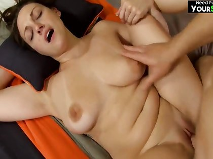 Naturally busty gloom mom fucked in homemade POV video
