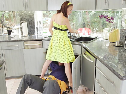 McKenzie Lee lonely housewife gets stuffed with 2 zooid cocks