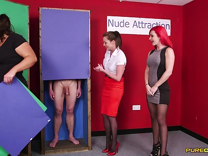 Essential man gets his dick sucked by Jesse Jayne and Roxi Keogh