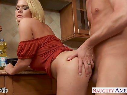 Honcho gung-ho housewife Krissy Lynn wanna be nailed hard in the kitchen