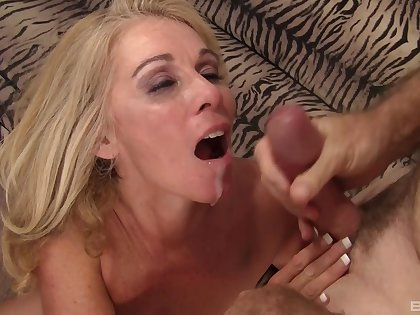 Horny MILF Dalny Marga fucked by her older husband on the borderline