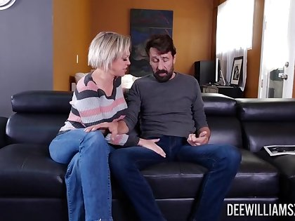 Daddy gets laid in all directions his wife lock up calls in a friend for more diversion