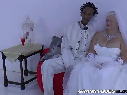 Grandma Better half Suck Ebon Kick off b lure Stick - Interracial In