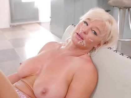Hardcore fucking at dwelling-place with fake boobs housewife London River